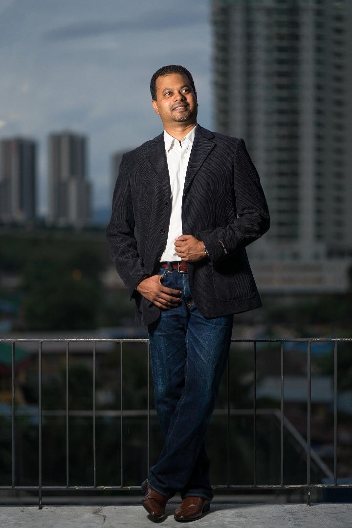 Ramesh Balakrishnan - iResidenz
